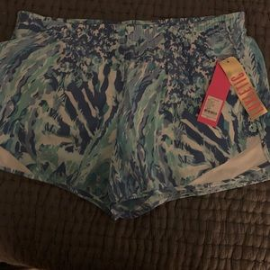 NWT Size large ocean trail shorts